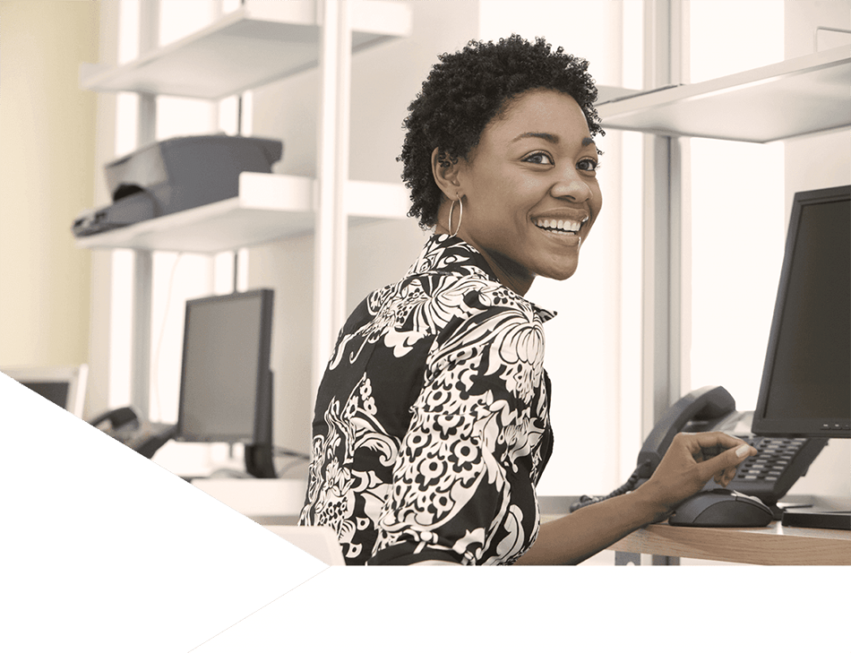 https://tarsusdistribution.co.za/wp-content/uploads/lady-working-on-computer-tarsus-distribution-new.png
